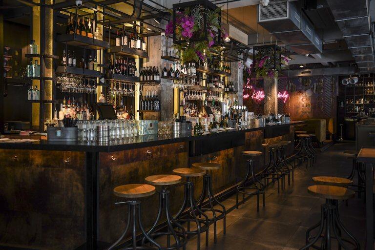 Winebars Inside rotterdam
