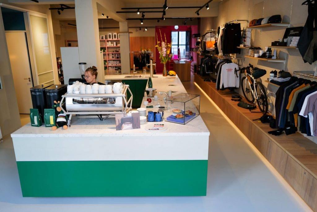Giraffe Coffee Bar & BombaBomba Cycling Boutique