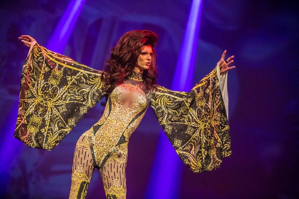 A Drag Queen at Villa Thalia